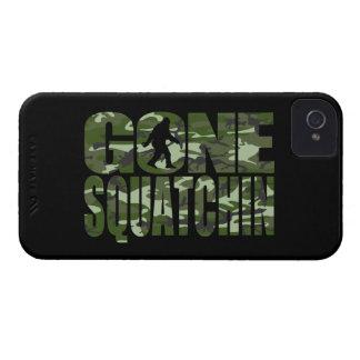 カスタマイズ可能な迷彩柄によって行くSquatchin Case-Mate iPhone 4 ケース