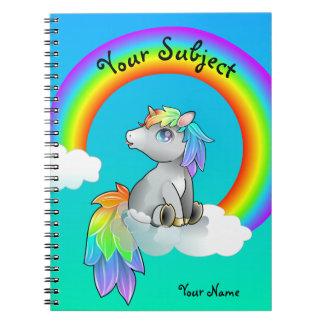 カスタマイズ可能な魔法の虹のユニコーンの学校主題 ノートブック