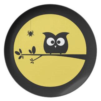 カスタマイズ月色のハロウィンのかわいいフクロウ プレート