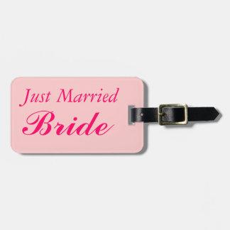 カスタマイズ花嫁のたった今結婚しました新婚旅行を結婚します バッグタグ