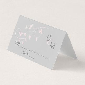 カスタムでエレガントなモノグラムの赤面のピンクの灰色の結婚式 プレイスカード