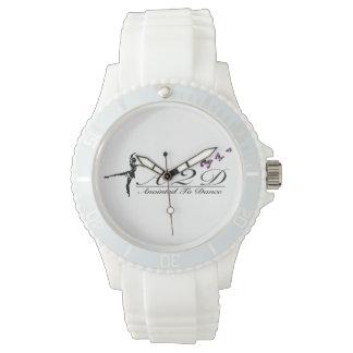 カスタムでスポーティで白いケイ素を踊るために塗られる 腕時計