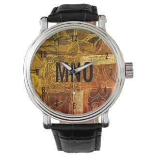 カスタムでモノグラムのな金ゴールドのパッチワーク 腕時計