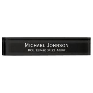 カスタムで名前入りな専門の机の名札