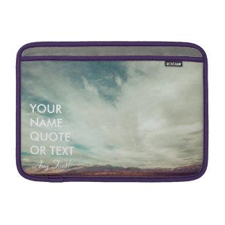 カスタムで名前入りな砂漠の空のデザイン MacBook スリーブ