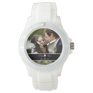 カスタムで名前入りな結婚式の写真の記念品 腕時計