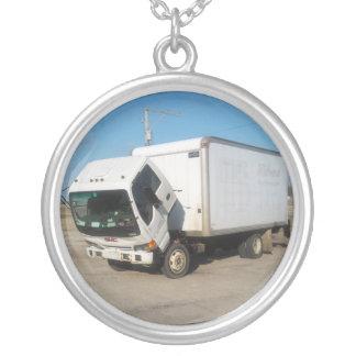 カスタムで悲しいトラックのネックレス シルバープレートネックレス