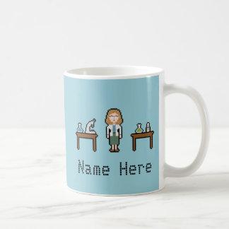 カスタムなピクセル女性科学者 コーヒーマグカップ