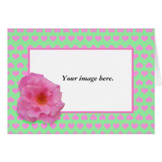 カスタムなフレーム、ピンクのツバキおよび愛中心 カード