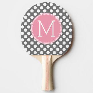 カスタムなモノグラムが付いているパステル調のピンク及び灰色の水玉模様 卓球ラケット