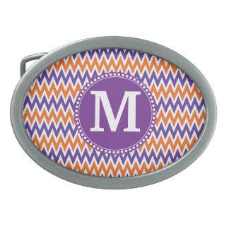 カスタムなモノグラムの紫色のオレンジシェブロンパターン 卵形バックル