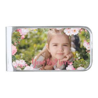 カスタムな写真および文字のピンクの桜のボーダー シルバー マネークリップ