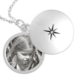 カスタムな写真の記念品のネックレス シルバープレートネックレス