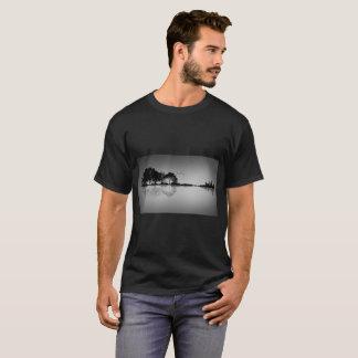 カスタムな色の黒のギター水反射のTシャツ Tシャツ