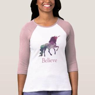 カスタムな色または文字の虹の銀河系のユニコーンのTシャツ Tシャツ