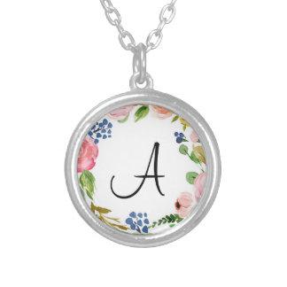 カスタムな花のモノグラムの銀によってめっきされるネックレス シルバープレートネックレス