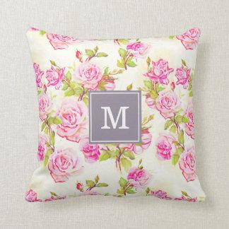 カスタムな花パターン古いばら色のモノグラムの枕 クッション