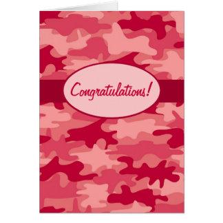 カスタムな赤い迷彩柄のカムフラージュのお祝い カード