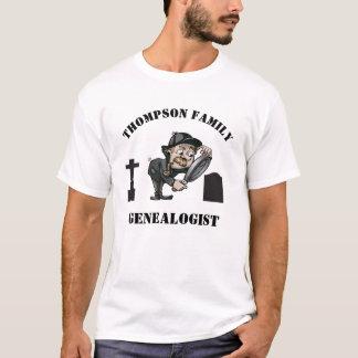 カスタムなGenealogistの探偵 Tシャツ