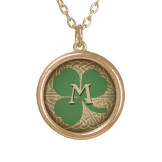 カスタムの最初の緑のシャムロックのケルト結び目模様のペンダント ゴールドプレートネックレス