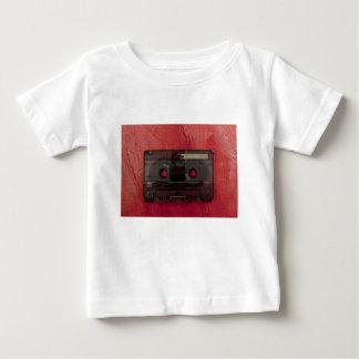 カセットテープ音楽ヴィンテージの赤 ベビーTシャツ