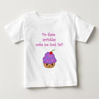 カップケーキの一見の脂肪 ベビーTシャツ