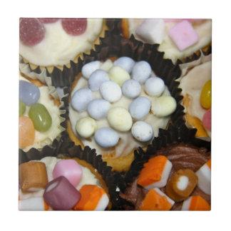 カップケーキの小さい陶磁器の写真のタイル タイル