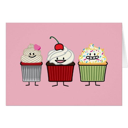 カップケーキの誕生日家族のカップケーキのケーキのハートのケーキ グリーティングカード