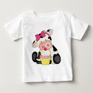 カップケーキ牛ベビーのTシャツ ベビーTシャツ