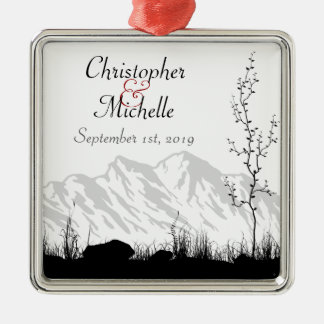 カップルのシルエット山のために名前入り メタルオーナメント