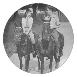 カップルの乗馬馬 プレート
