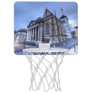 カテドラル聖者ピエール、ピーター、ジュネーブ、スイス連邦共和国 ミニバスケットボールゴール