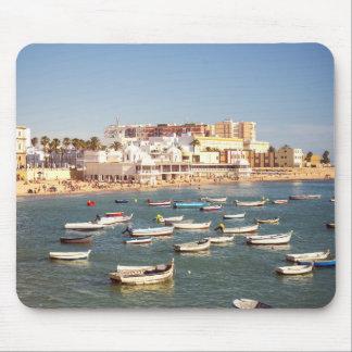 カディス、アンダルーシア、スペインのCaletaのビーチ マウスパッド