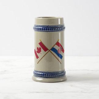 カナダおよびクロアチアによって交差させる旗 ビールジョッキ