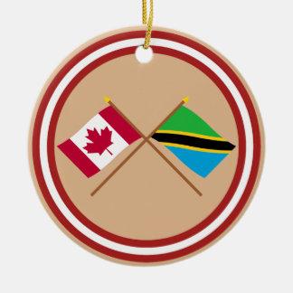 カナダおよびタンザニアによって交差させる旗 セラミックオーナメント