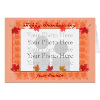 カナダのかえでの感謝祭は写真フレームを残します カード