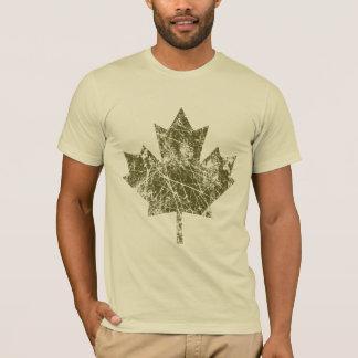 カナダのカエデの葉のグランジなスタイルカナダ Tシャツ