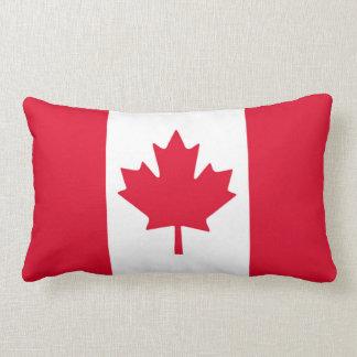 カナダの旗のカエデの葉赤く白いカナダ ランバークッション