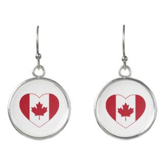 カナダの旗のハートの低下のイヤリング イヤリング