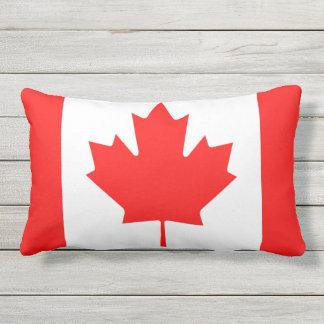 カナダの旗のプライドの屋外のテラスのクッション ランバークッション