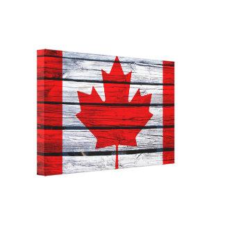 カナダの旗の素朴な木 キャンバスプリント