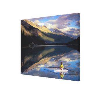 カナダの氏のBanff湖の漕ぎ手) キャンバスプリント