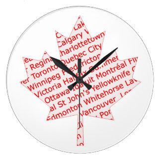 カナダ都市時計が付いているカエデの葉 ラージ壁時計