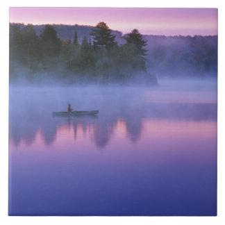 カナダ、オンタリオのAlgonguin公園、Canoeist タイル