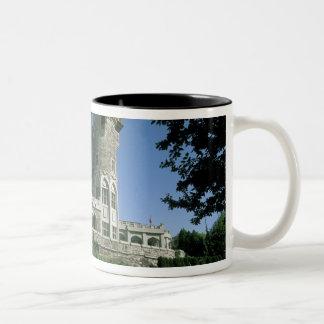 カナダ、オンタリオ、トロント。 歴史的な家Loma ツートーンマグカップ
