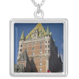 カナダ、ケベック、ケベック。 Fairmontの館 シルバープレートネックレス