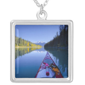 カナダ、ブリティッシュ・コロンビアのBowron湖 シルバープレートネックレス