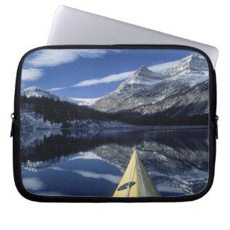 カナダ、ブリティッシュ・コロンビア、Banff。 カヤックの弓 ラップトップスリーブ
