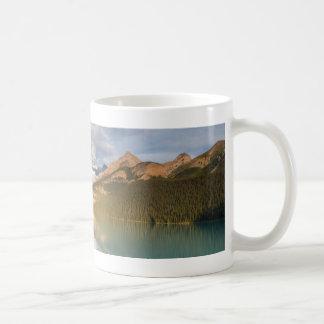 カナダ- Lake Louiseのマグ コーヒーマグカップ