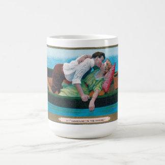 カヌーのヴィンテージのバレンタイン コーヒーマグカップ